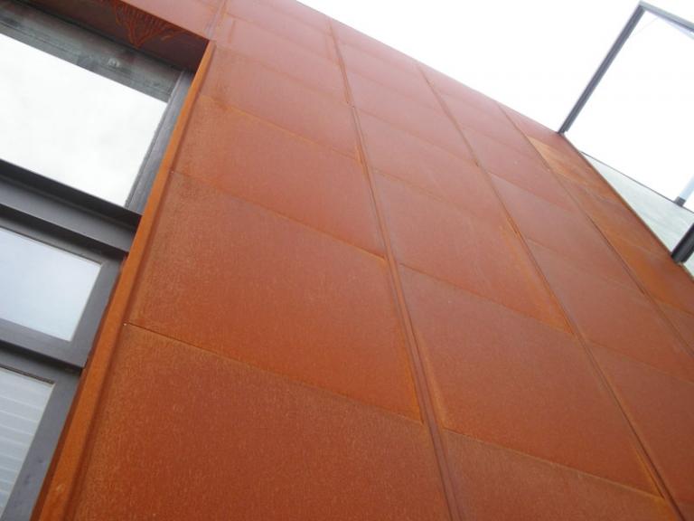 Panel s ndwich acero corten ironlux desde 1989 for Fachada acero corten