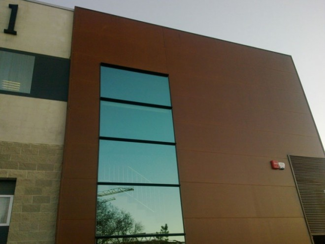 fachada-acero-corten-panel-sandwich